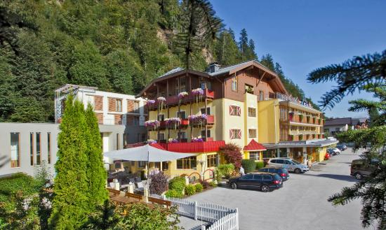 Photo of Hotel Badhaus Zell am See