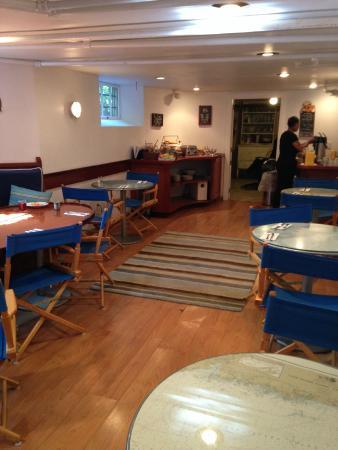 Newport Blues Inn: dining area in the basement of Inn - nautical theme