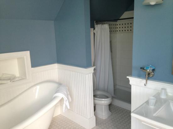 Newport Blues Inn: second half of master bath in 3rd floor suite