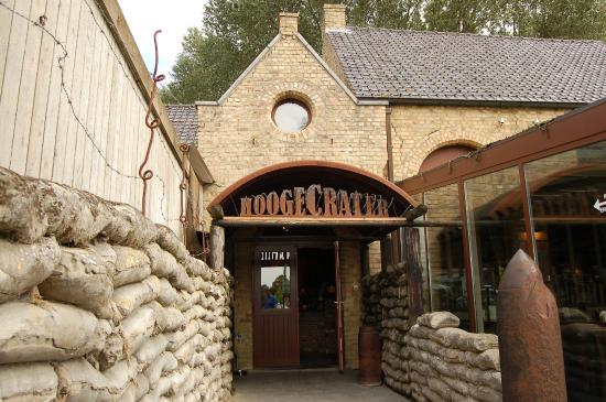 Hooge Crater museum: The entrance to the museum