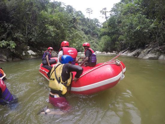 Kedah, Malaysia: Gopeng Rainforest Adventure Tours White Water Rafting River Rafting - www.bigtreetours.com