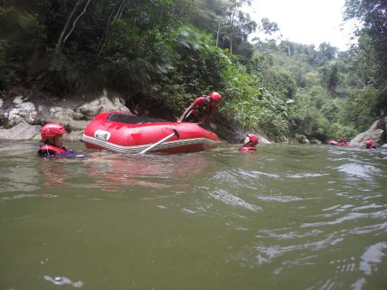 ‪كيدا, ماليزيا: Gopeng Rainforest Adventure Tours White Water Rafting River Rafting - www.bigtreetours.com‬