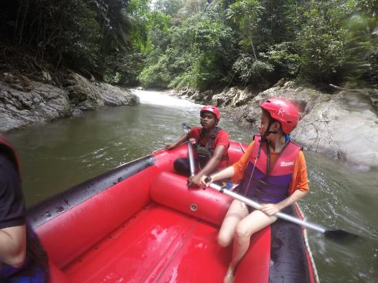 Kedah, Malezya: Gopeng Rainforest Adventure Tours White Water Rafting River Rafting - www.bigtreetours.com
