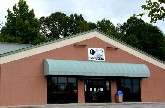Lincolnton, NC: Spors Bar and Billiards