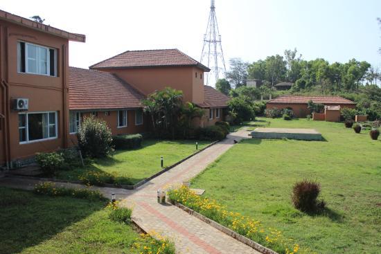Hotel Mayura Valley View Madikeri: Backside View