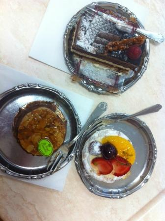 Au Royal Chocolat : Three great cakes!