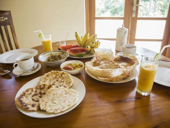 Sakura Villa: Sri Lankan Breakfast
