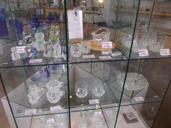 Ryuhyo Glass Museum: 売り場の一例