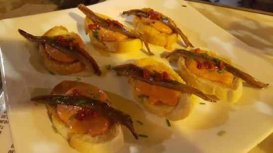 Anchovies on toast (Racion) = €12,00 - Picture of Casa Paco, Seville ...
