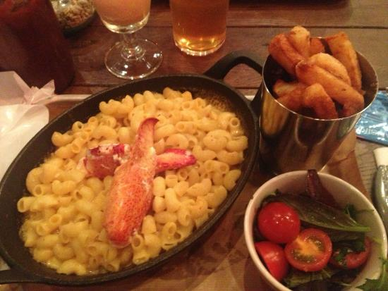 Big Easy Covent Garden Lobster Mac Cheese With Crap Chips Slimy Salad