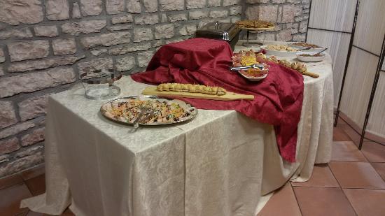 Verde Soggiorno: Rist . Lucignolo pasti per comunità piatti cucina tradizionale locale.