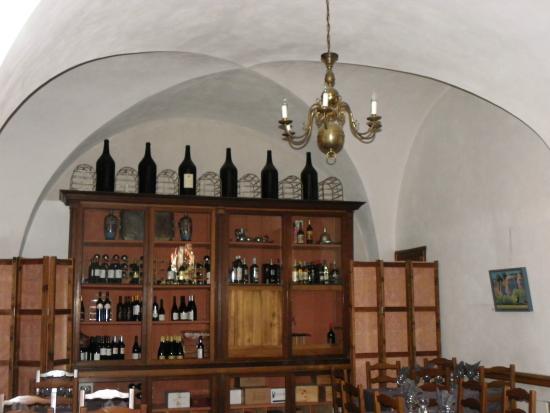 Salle A Manger Et Cave A Vins Picture Of Restaurant Chateau De