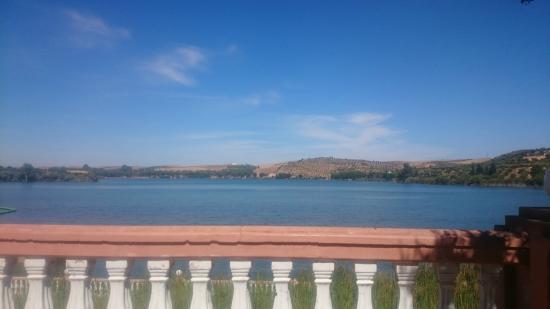 DAR EDDAYA HOTEL : Vue sur le lac