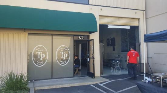 Lakewood, Kalifornien: Timeless Pints Brewing Company