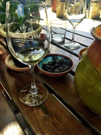 Alikampos, Griekenland: Wine tasting at Dourakis Winery