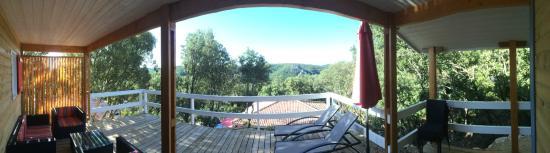 Barjac, France: Vue panoramique du chalet