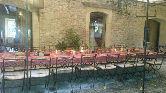 Sous L'olivier: Un incanto questo posto! I proprietari sono gentilissimi e la cucina davvero ottima!