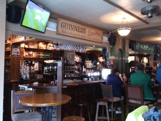 Interlaken - The 3 Tells Irish Pub - the bar
