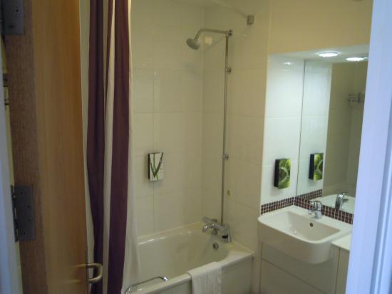 Premier Inn Ramsgate (Manston Airport) Hotel: bathroom