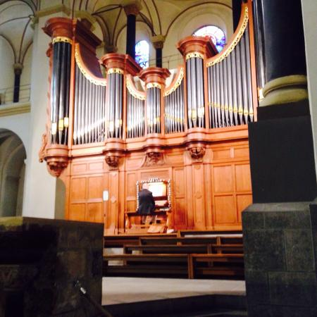 Image result for pipe organ in sint servatius