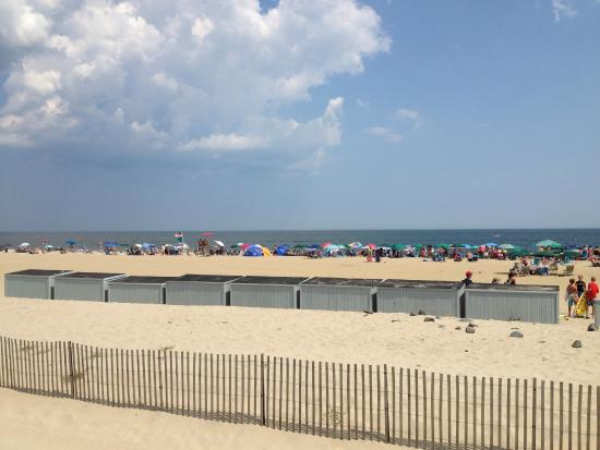 boardwalk along the beach - Picture of Ocean Grove Beach