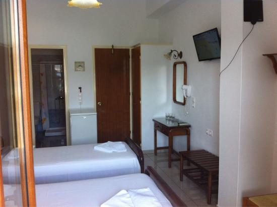 Hellinis Hotel: photo3.jpg