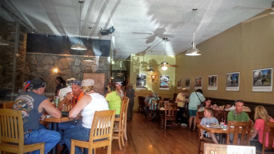 Sage Creek Grille: Interior