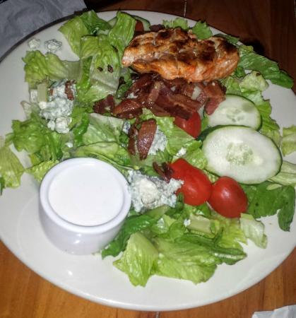 Sage Creek Grille: Buffalo Chicken Salad