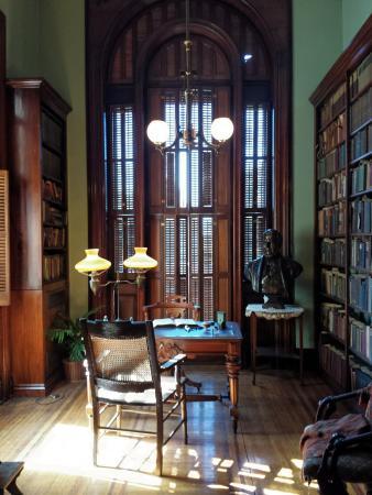 David Davis Mansion State Historic Site: David Davis' Library