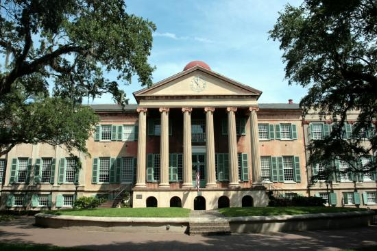 ‪College of Charleston‬