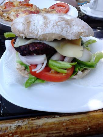 Fatolitis Snack Bar