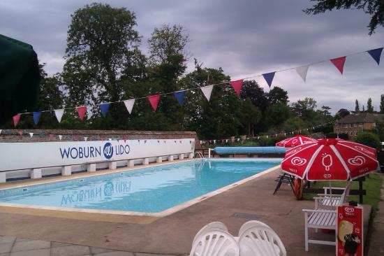 Woburn Swimming Pool