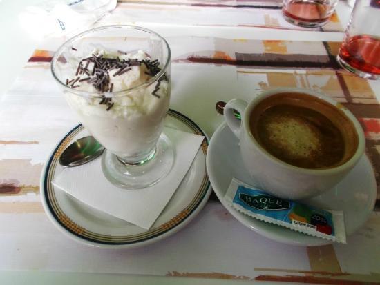 Vera de Bidasoa, Spanyol: Café y Xamingoxo