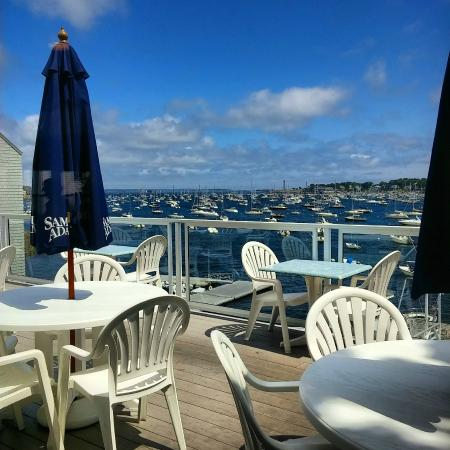 17 Chestnut Street B&B: Marblehead views on the water