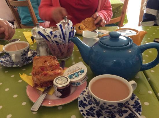 Llew Glas Cafe: Cream tea