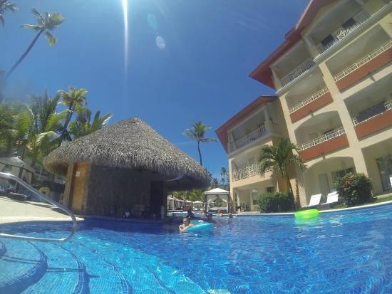 the swim up bar picture of majestic elegance punta cana. Black Bedroom Furniture Sets. Home Design Ideas