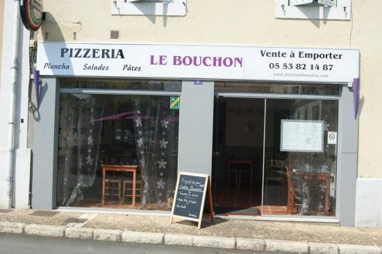 Le Bouchon: Nouvelle facade !