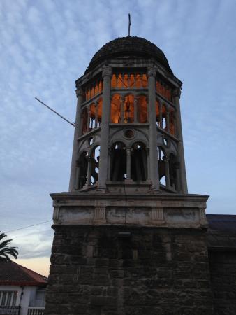 Francisco de Aguirre Hotel: vista desde la habitación al campanario