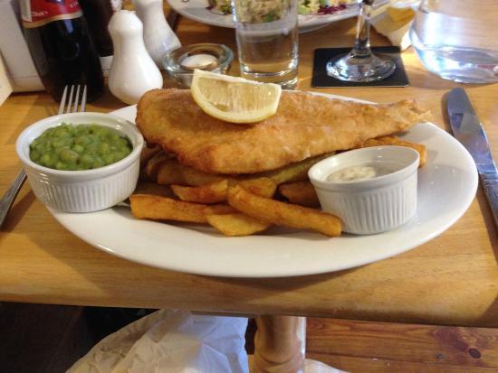 The Crown Inn: Crown Inn: fish and chips