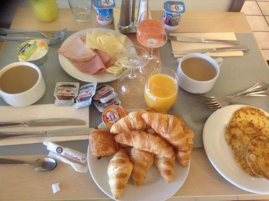 Kyriad Besancon - Palente : Завтрак