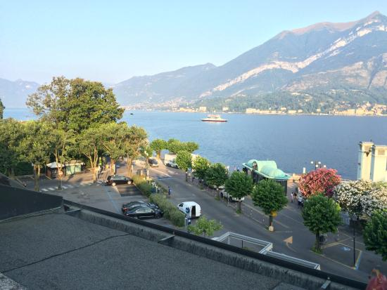 Il Sogno Bellagio: See the parking lot where you can park free during the night, pay during the day.