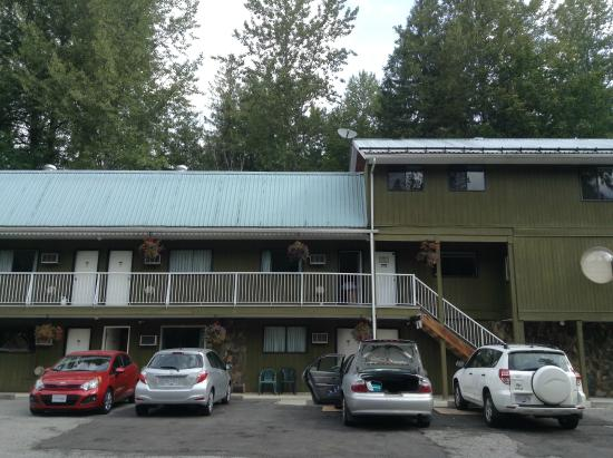 The front view of the Hitching Post motel