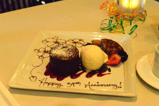 Roy's : Complimentary Anniversary Dessert