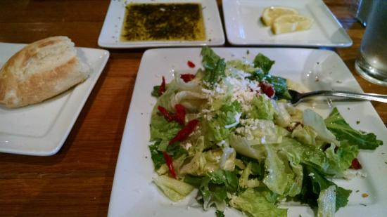 Do Di Yo's: Salad and bread with dipping oil