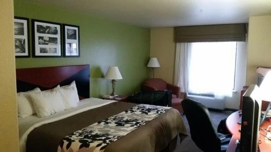 Hewitt, TX: room
