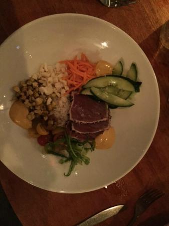 The Grille Fashion Cuisine: Tuna Bowl
