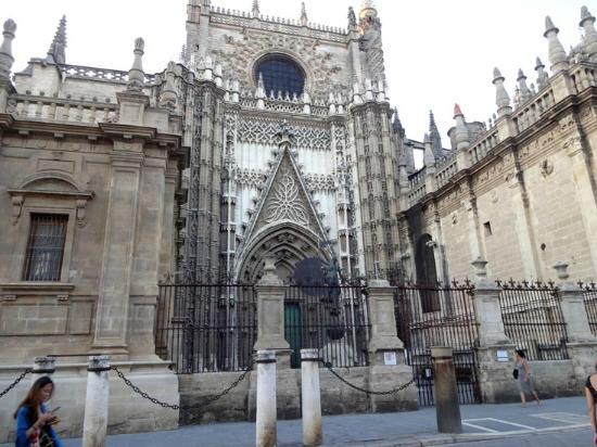 Puerta del principe picture of seville cathedral - Puertas uniarte sevilla ...