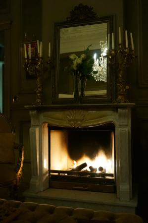 Hotel Heritage - Relais & Chateaux: Nightcap by the Fire