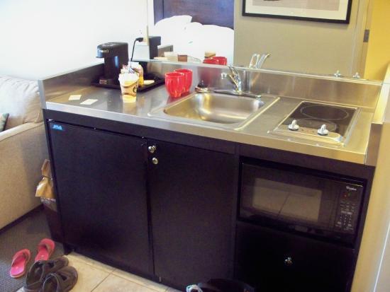 kitchen hotplate on right fridge on bottom left microwave and a rh tripadvisor ca