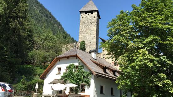 Schloss Neuhaus Restaurant